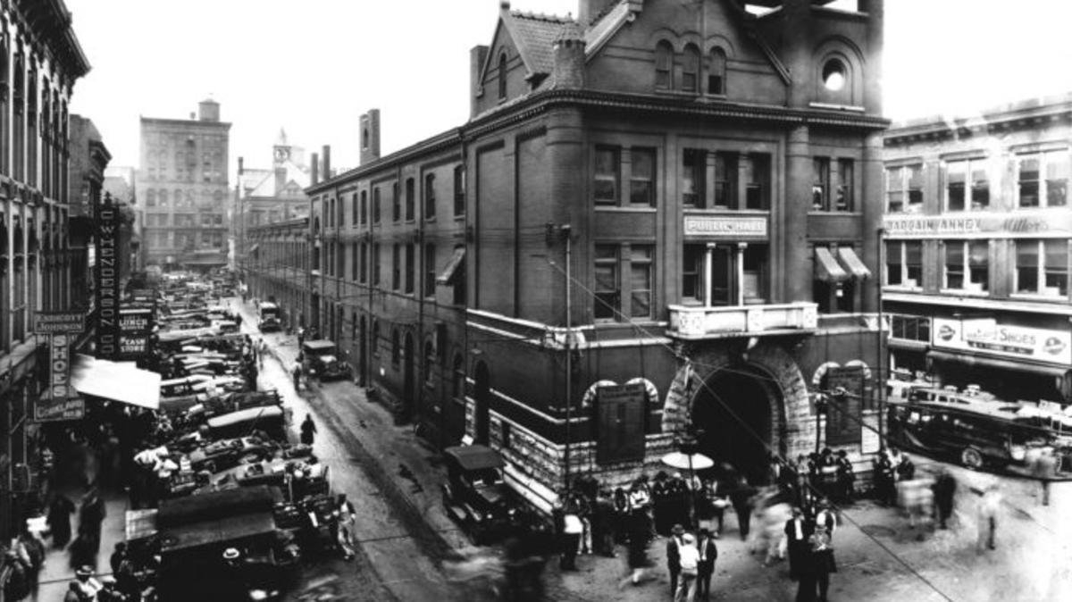 1930 Market Square