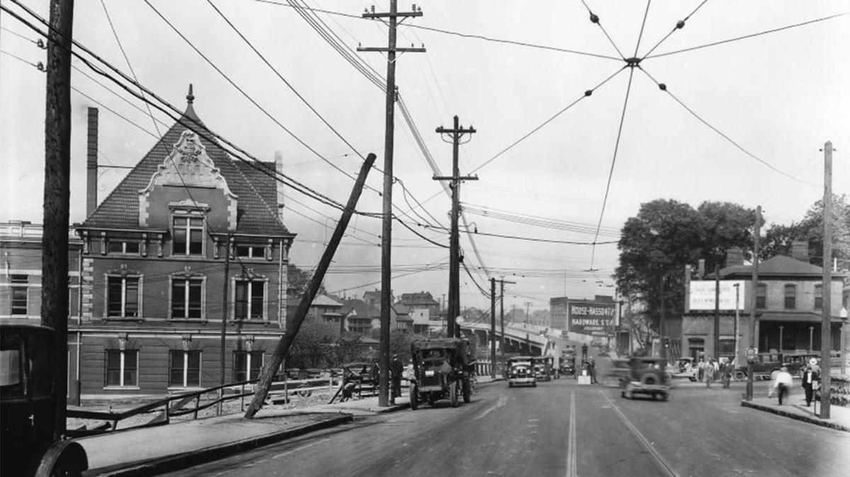 Looking along Western Avenue towards the L&N Railroad Station, 1920 credit McClung Historical Collection