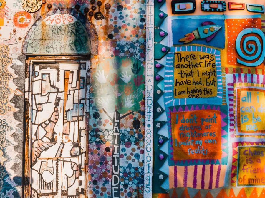Joelle-Riding-Murals-of-Lexington-story-2sm