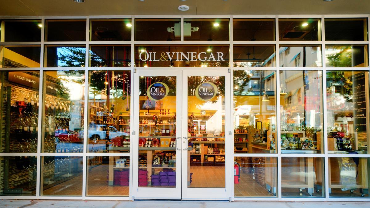 Oil & Vinegar Storefront