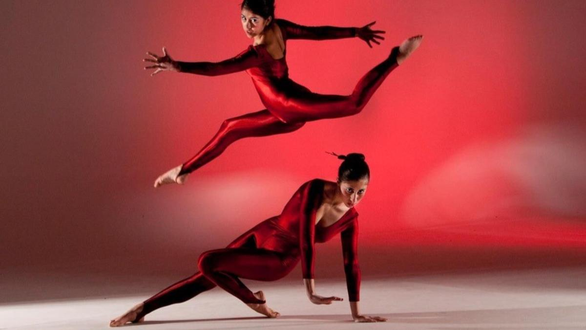 red dancers