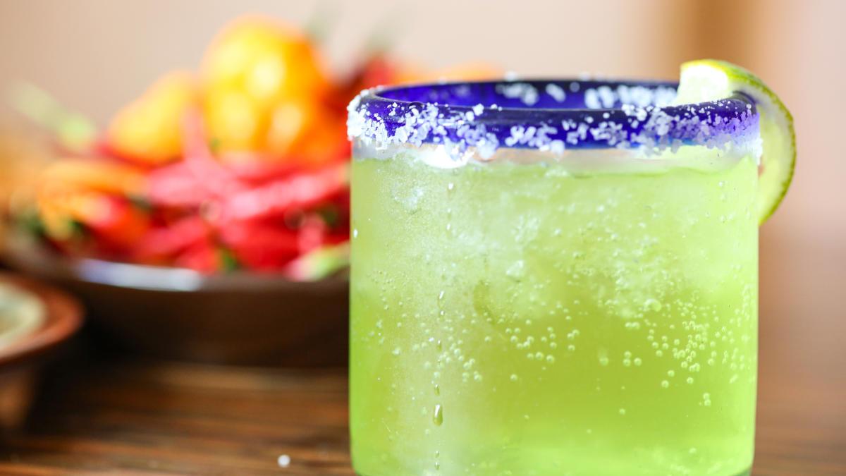 Pepe's TToS Cocktail, Dining