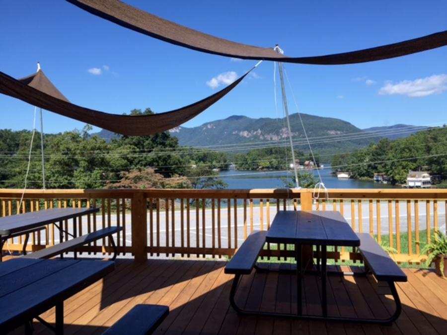 Point of View Deck Dining