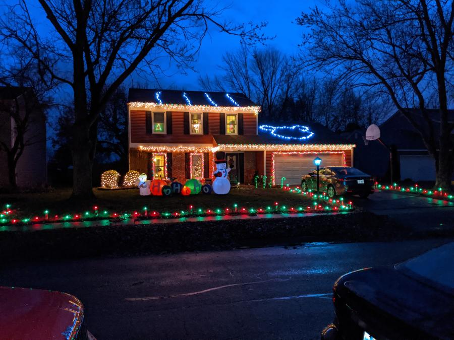 7722 Wishingwell Ct. Christmas Lights Display in Fort Wayne, Indiana