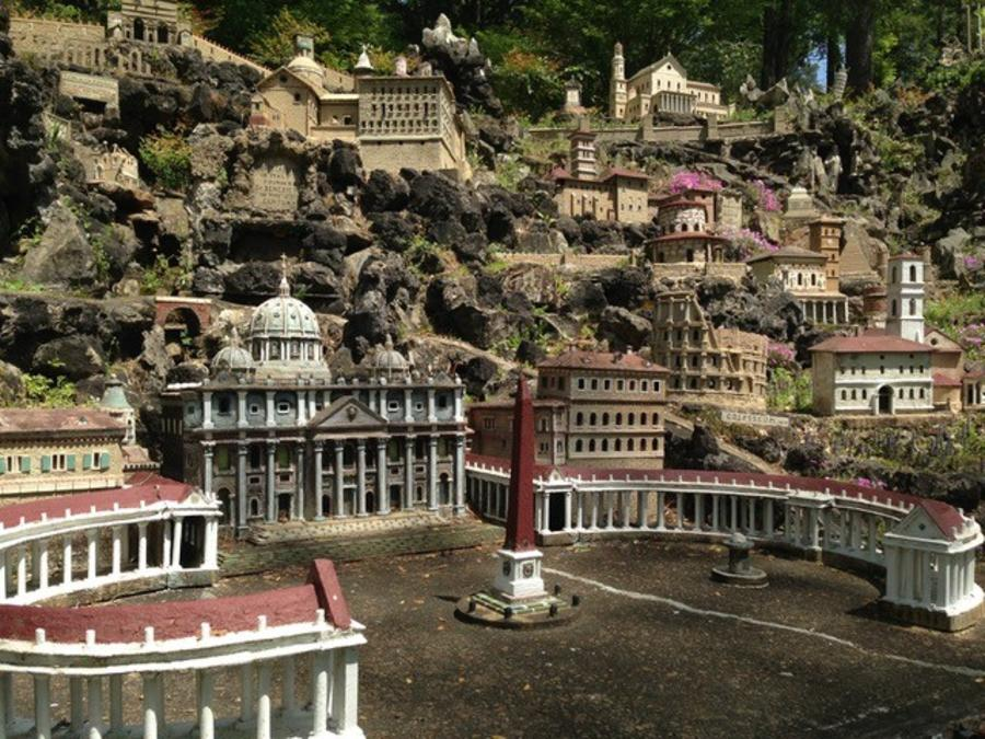 Found at the St Bernard Abbey in Huntsville, Ava Maria Grotto is a miniature display like no other.