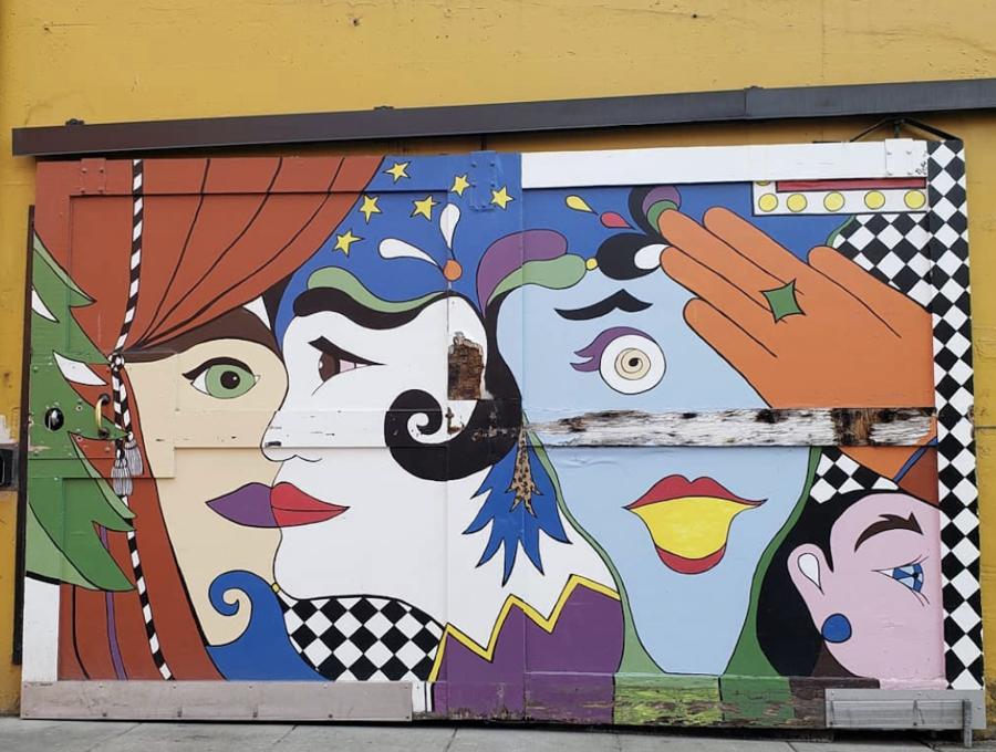 Mural in Opera Ally