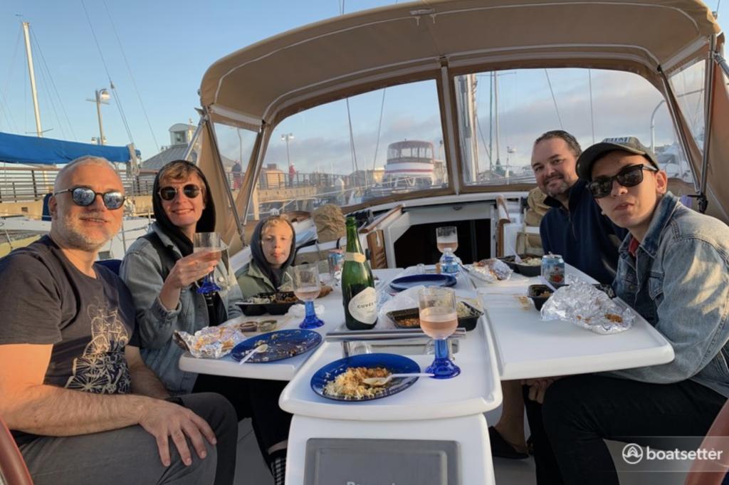 Boatsetter - 40' Beneteau Sail Yacht to Enjoy the Bay