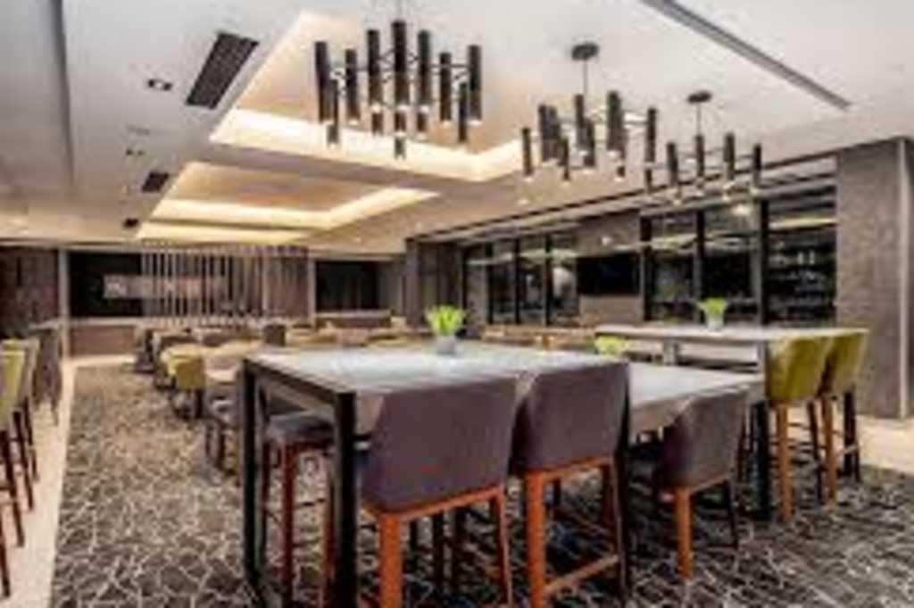 London Bar & Grill