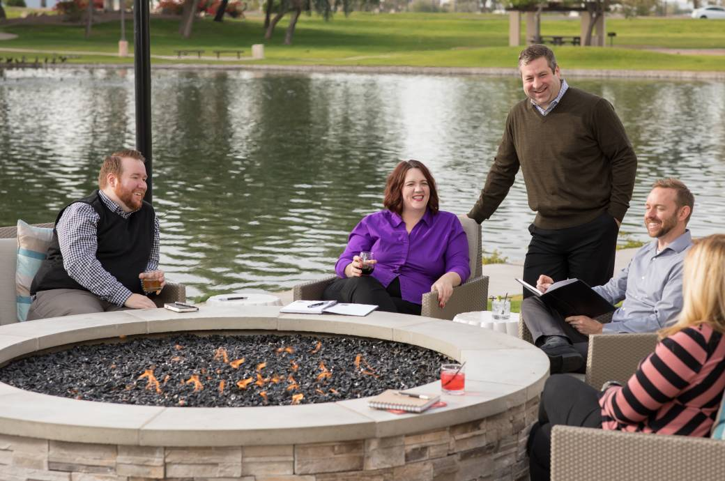 Residence Inn Phoenix Chandler/South - group at fire pit