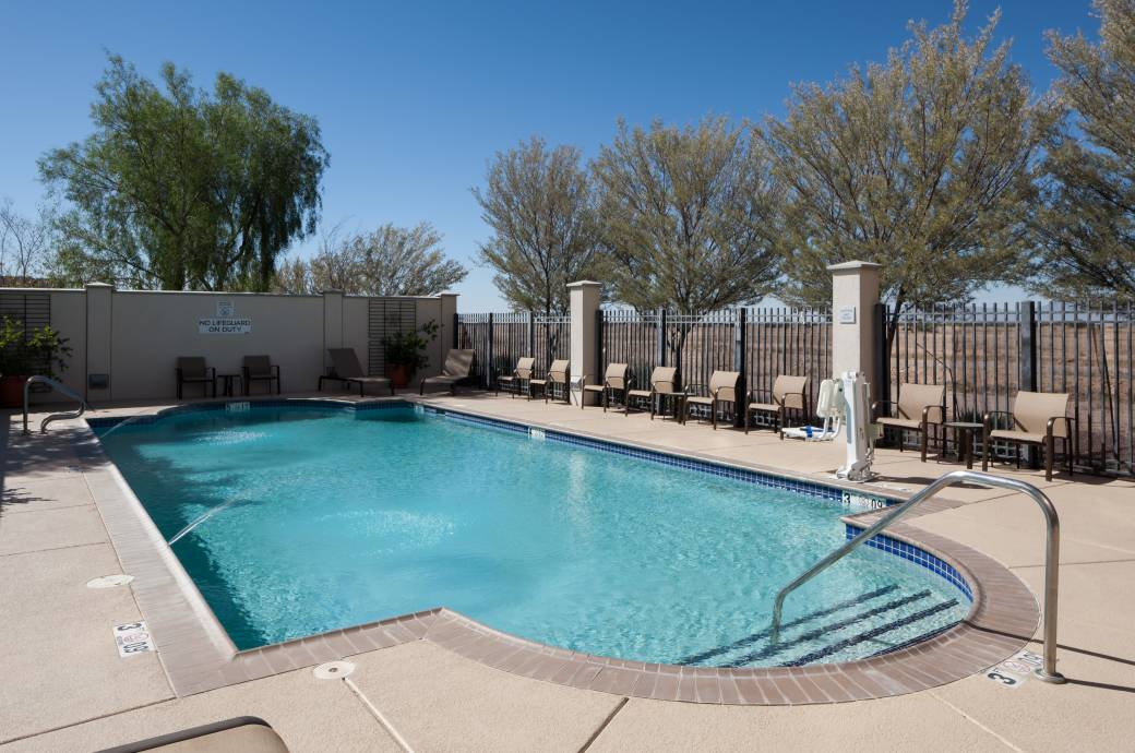 Courtyard by Marriott Phoenix Chandler/Fashion Center - Pool