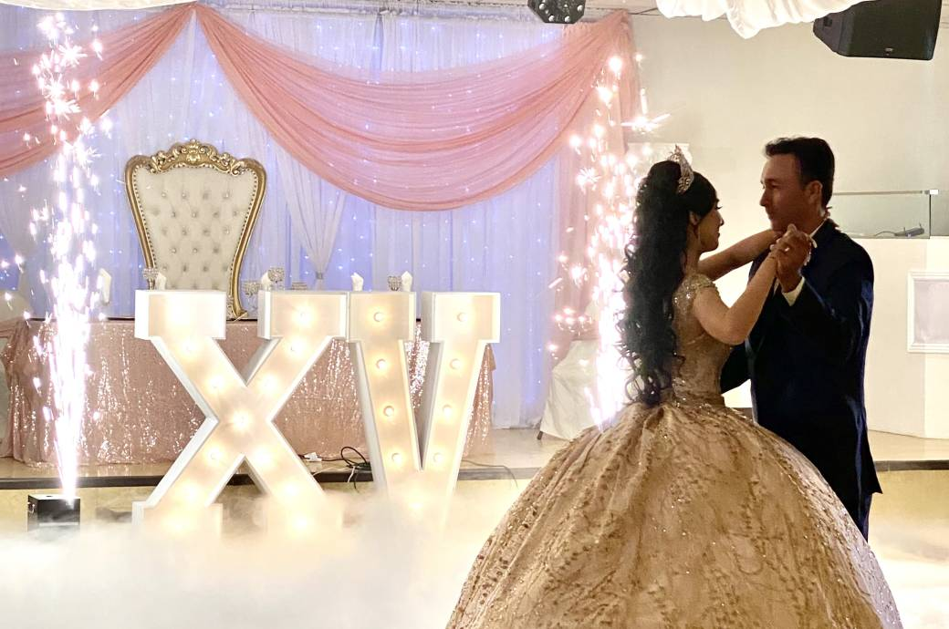 Crystal Reception Hall - Dancing Couple