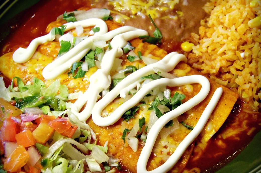 Dos Gringos Grille Enchilada Plate