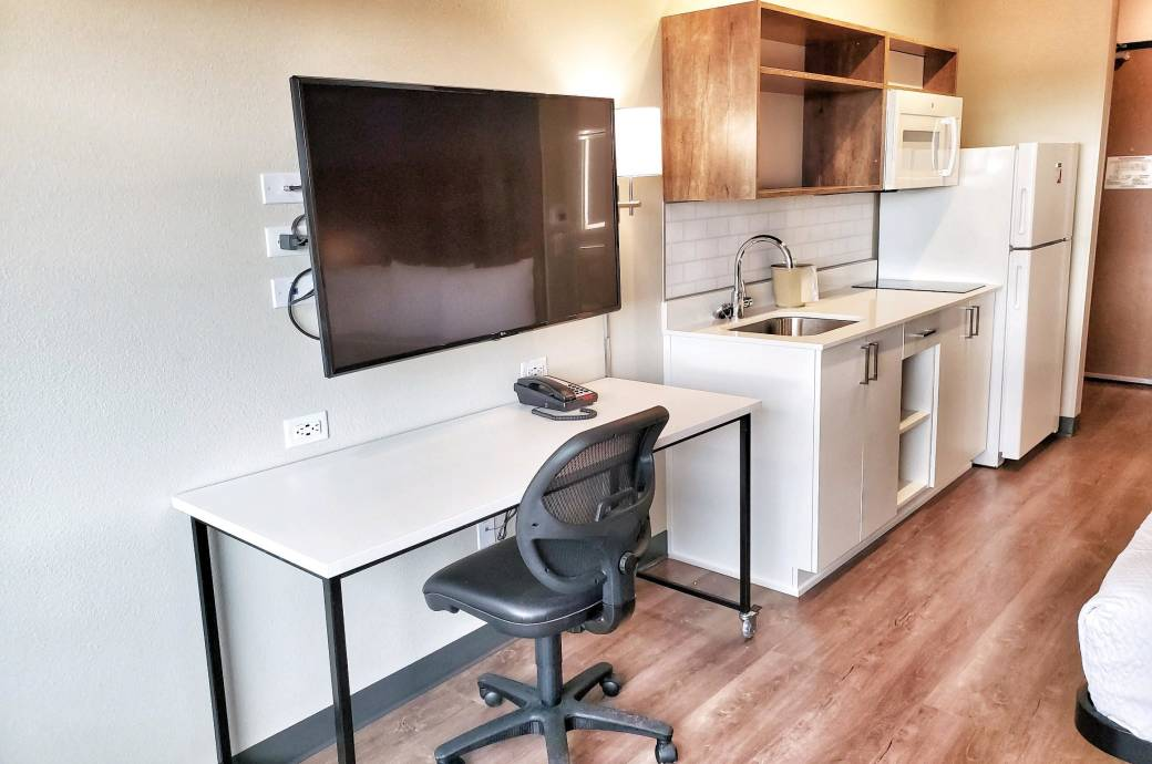 Extended Stay America Phoenix Chandler Downtown - Work space
