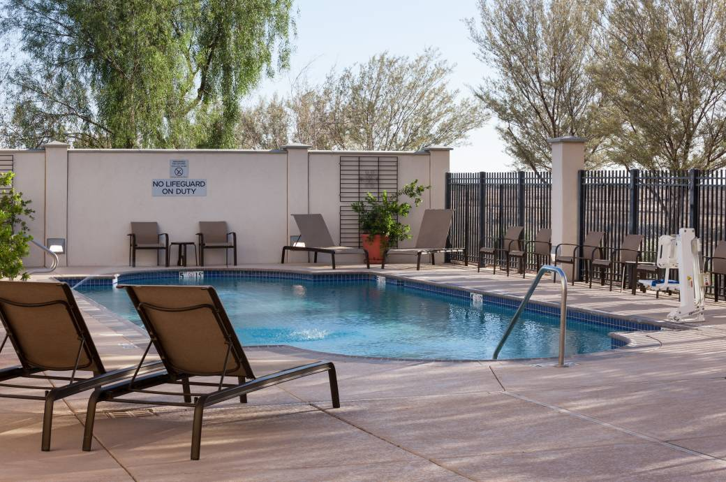 Fairfield Inn & Suites Chandler Fashion Center Pool2
