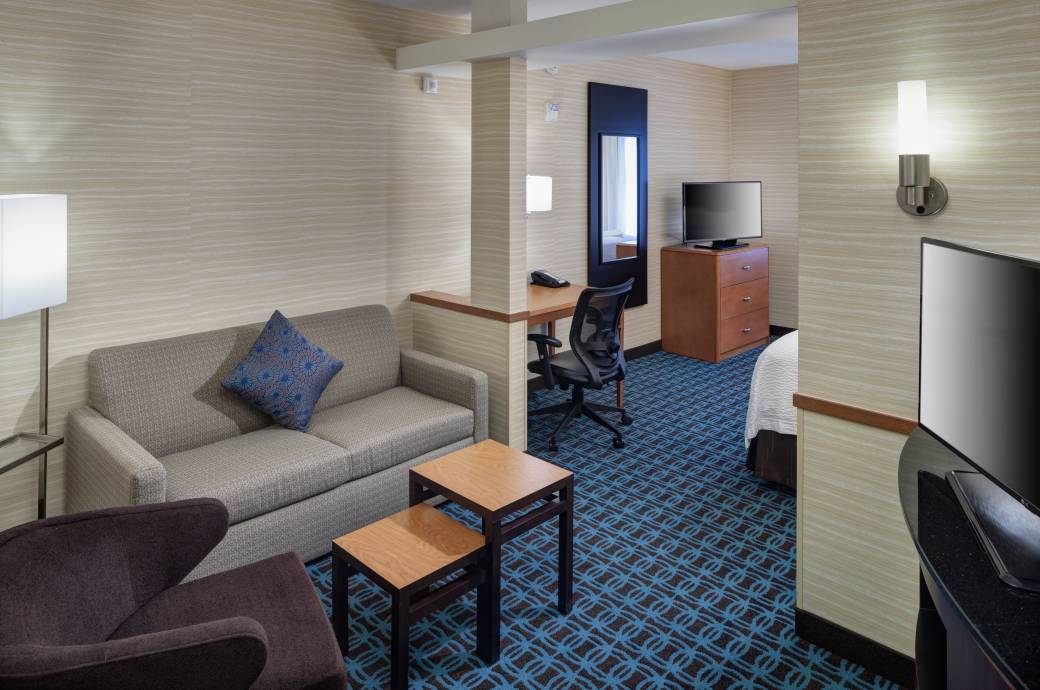 Fairfield Inn & Suites Chandler Fashion Center QNQN Suite 2