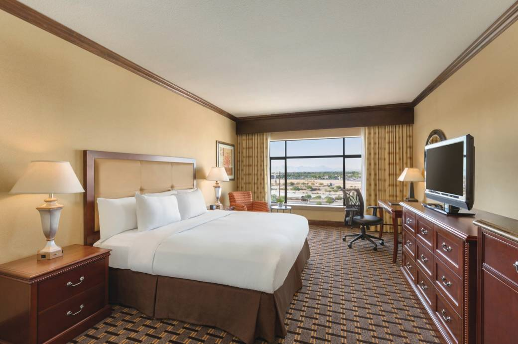 Hilton Phoenix Chandler Executive King Room