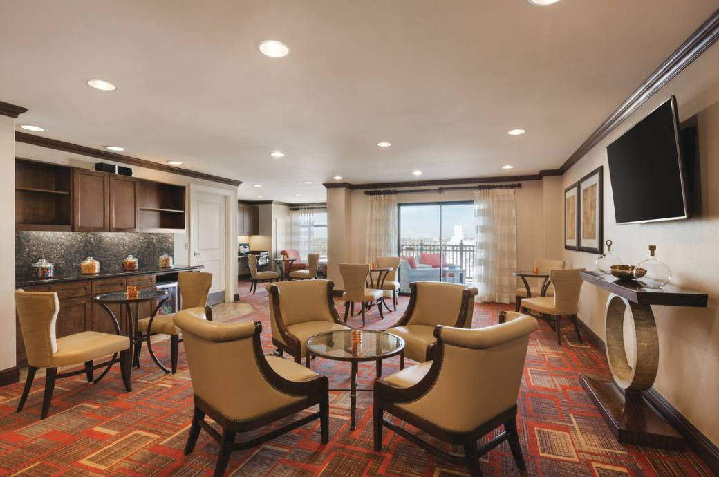 Hilton Phoenix Chandler Executive Lounge