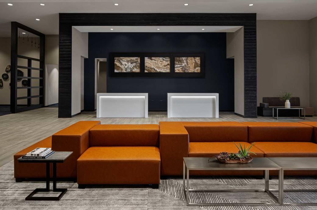 Marriott Phoenix Chandler - Front Desk Lobby
