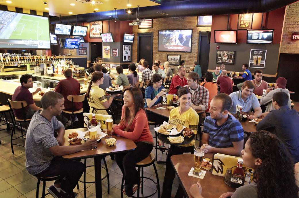 Buffalo Wild Wings at Chandler Fashion Center Mall