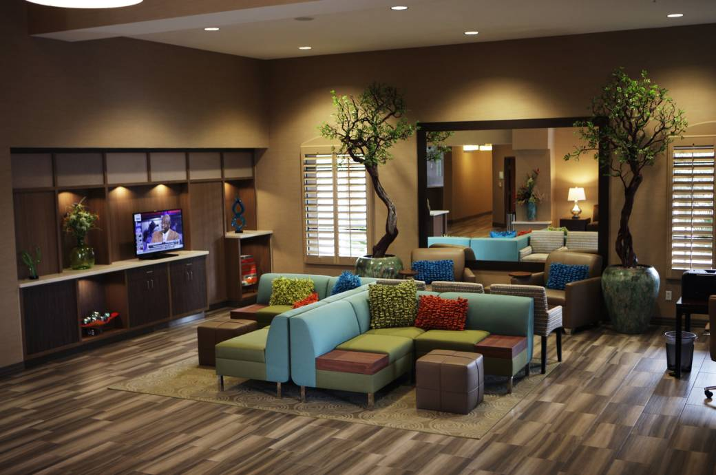 Holiday Inn Phoenix-Chandler Lobby