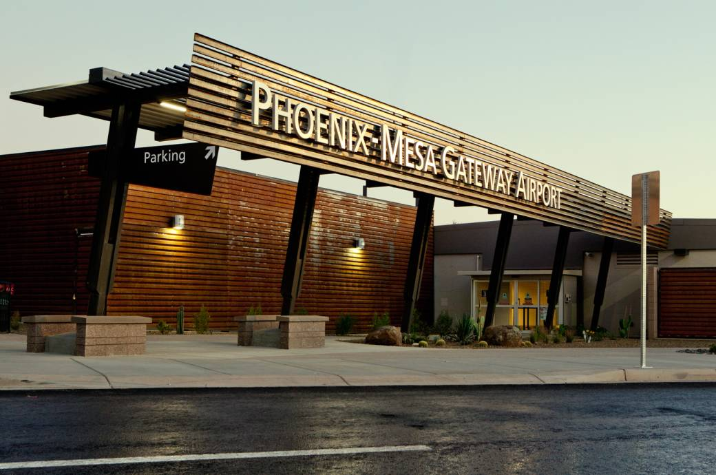 Phoenix Mesa Gateway Airport (IWA)