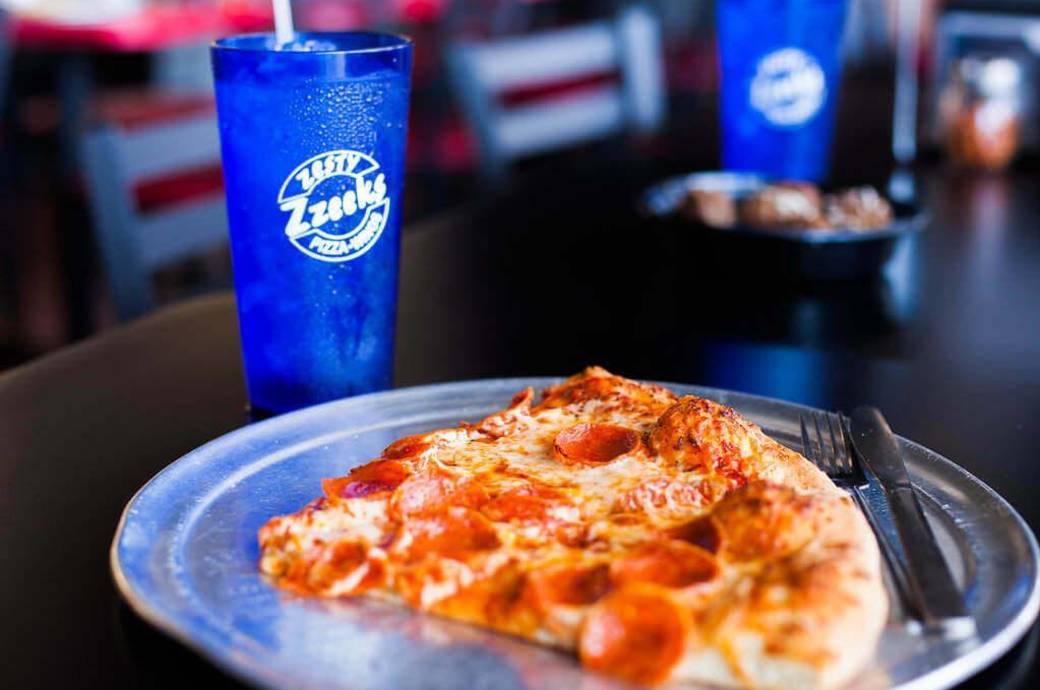 Zesty Zzeeks Pizza & Wings in Chandler, AZ