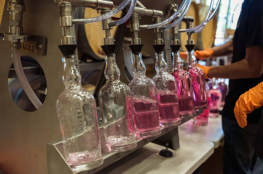 SanTan Brewery & Distillery Tours - Citrus Rose bottling