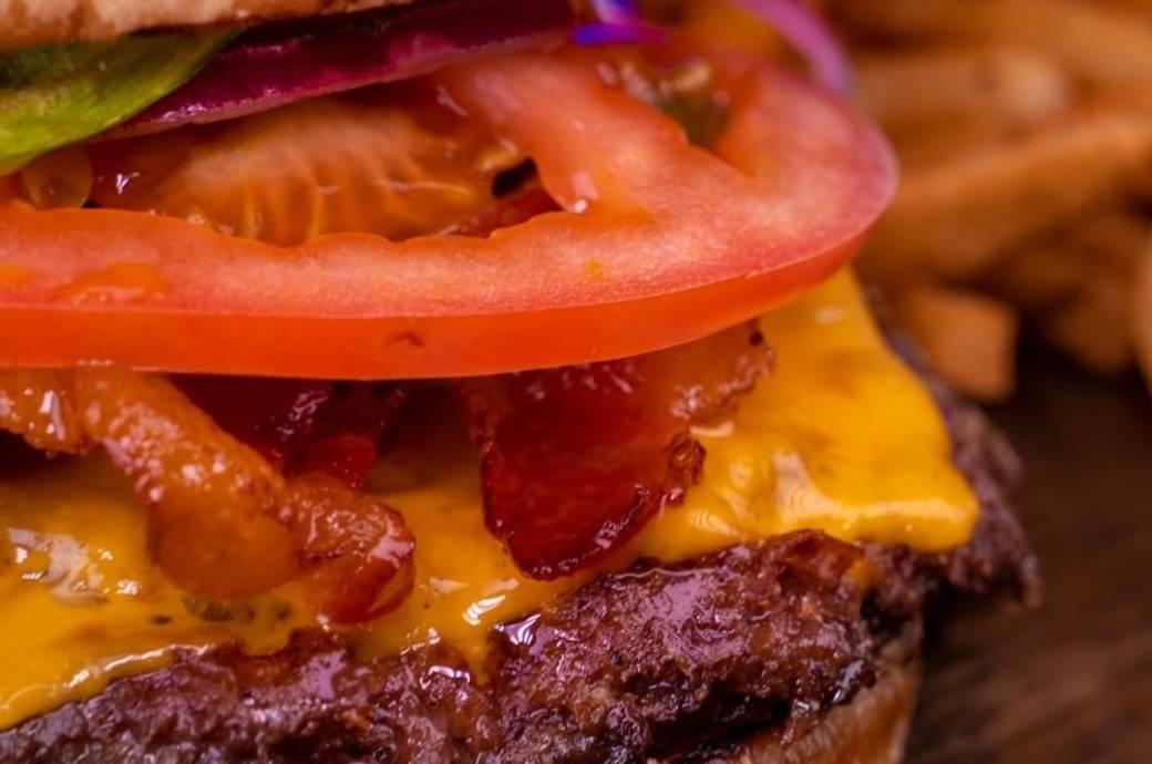 Woo Woo Burgers - Bacon Cheeseburger