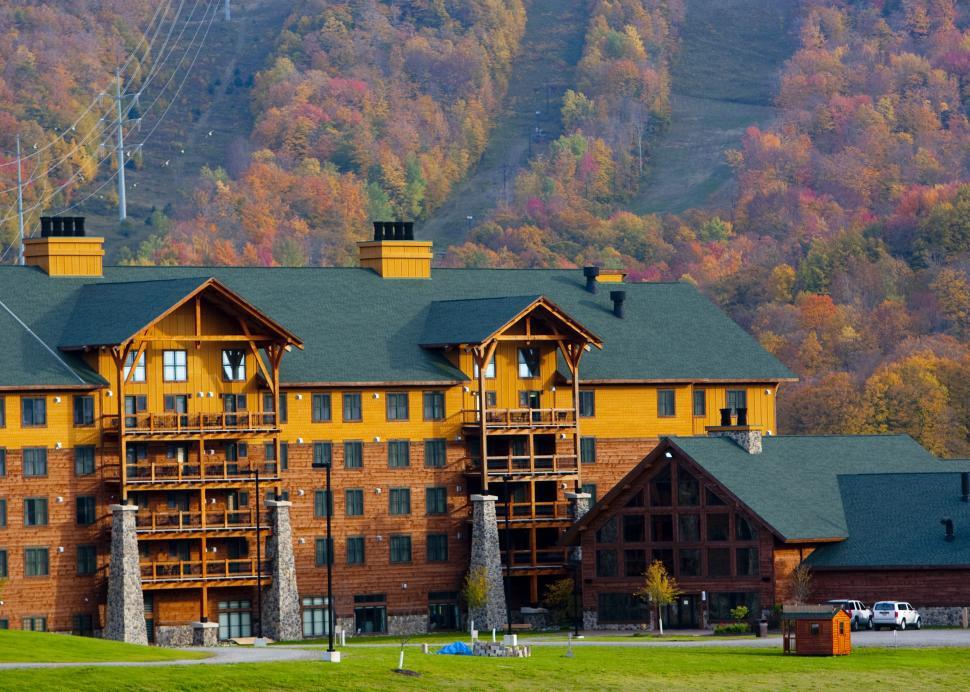 Hope Lake Lodge