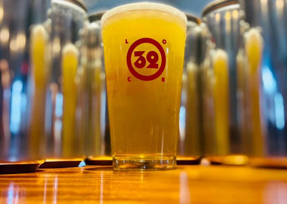 Lock 32 Beer