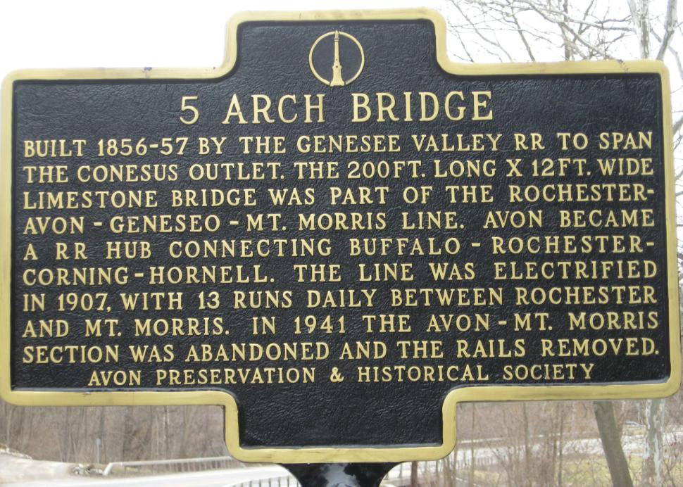 5 arch sign