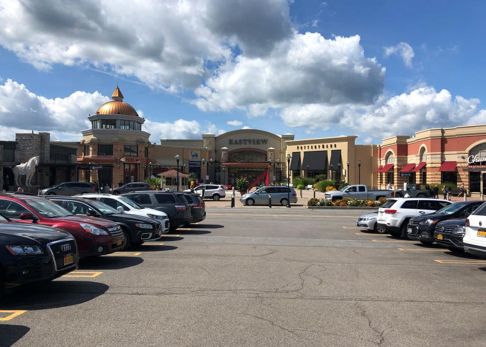 Front entrance to Eastivew mall in the summer