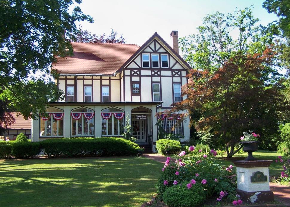 Vintage Gardens June 2008.JPG