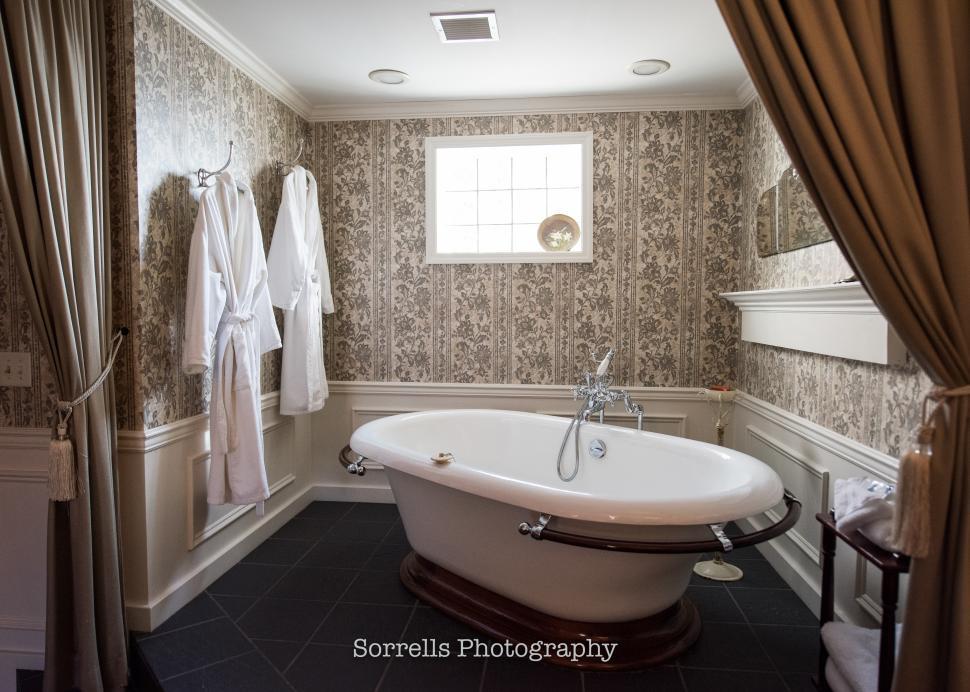 Luxury Soaking Tub
