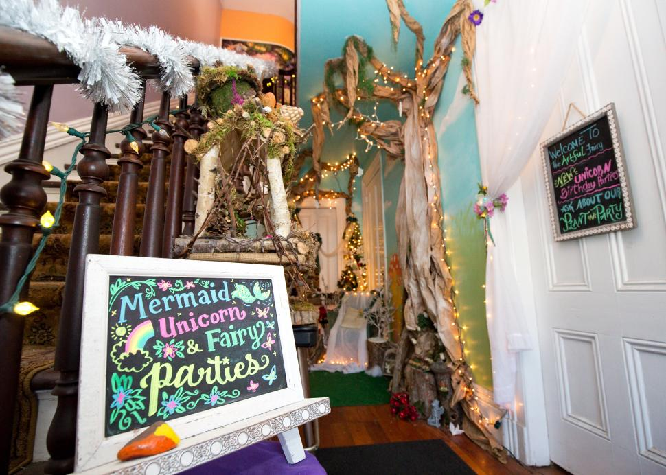Entryway to The Artful Fairy in Victor