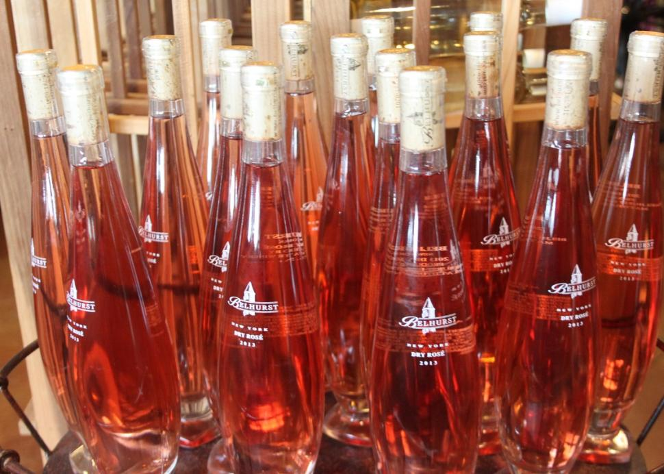 belhurst-winery-tasting-room-rose