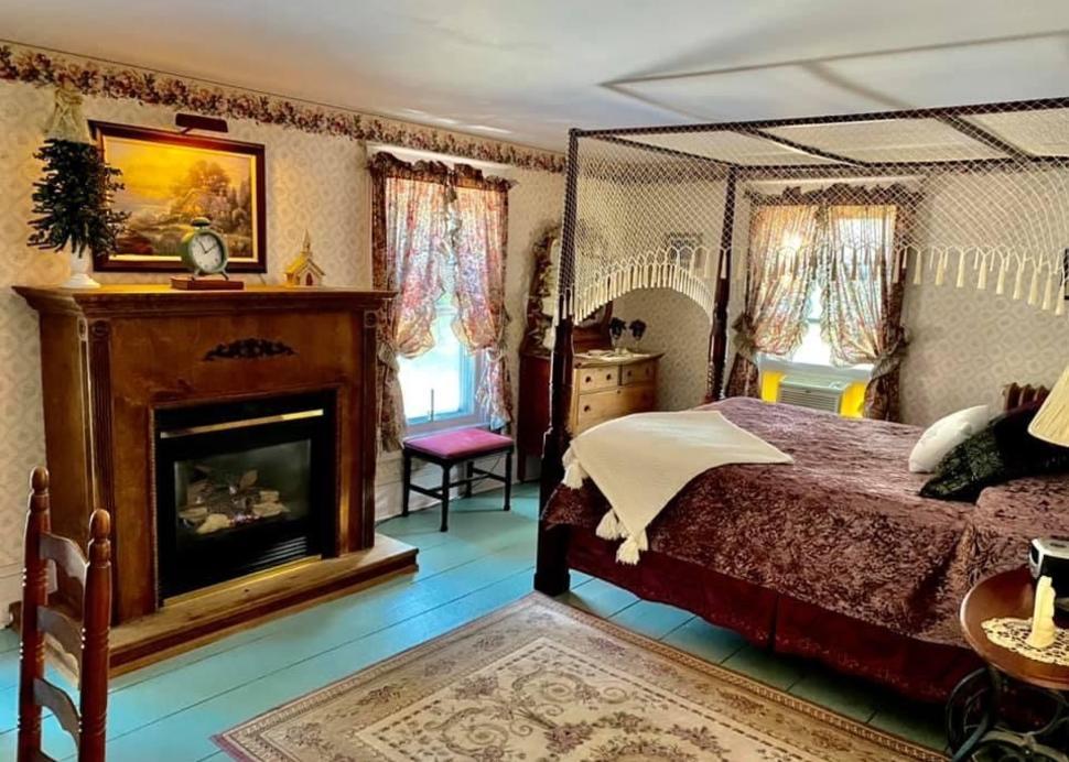 Bella Ella Bedroom