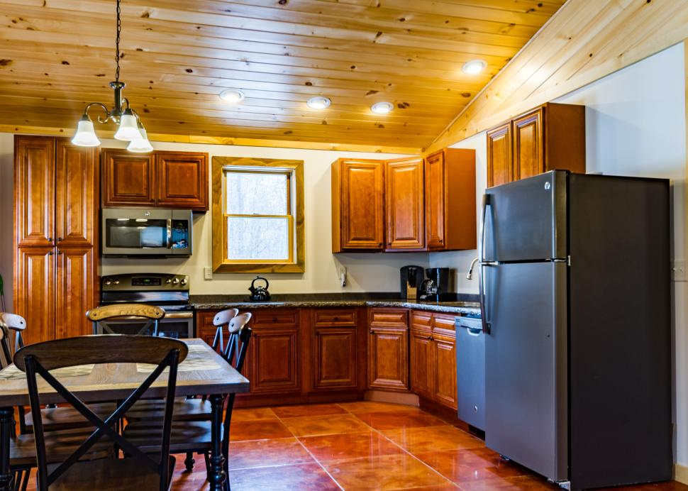 Cabin B Kitchen and Dining area