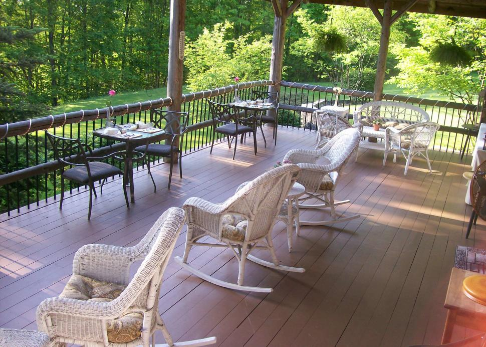 Dine on our Porch