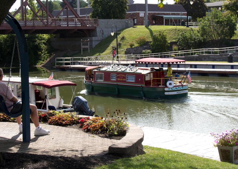 Cruising the Erie Canal, Jack Kidd Photo Credit