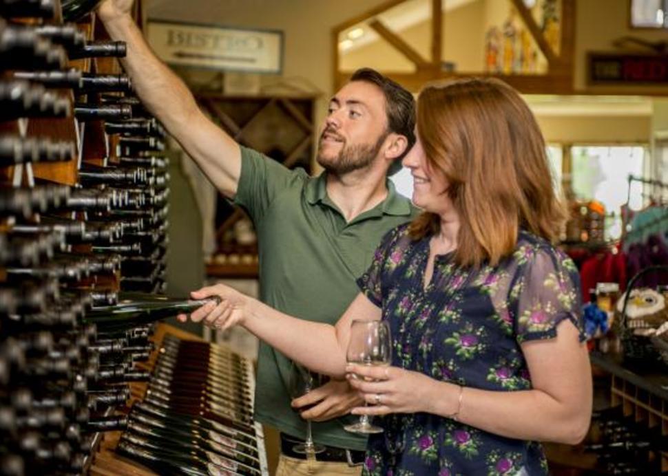 Cayuga_Lake_Wine_Trail_Wine_Buyers