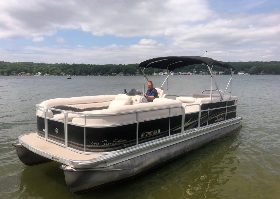 COnesus Lake Boat Rentals