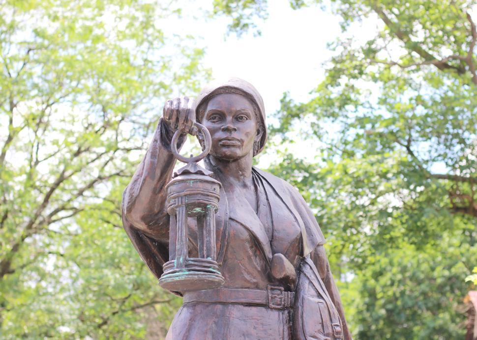 Harriet Statue
