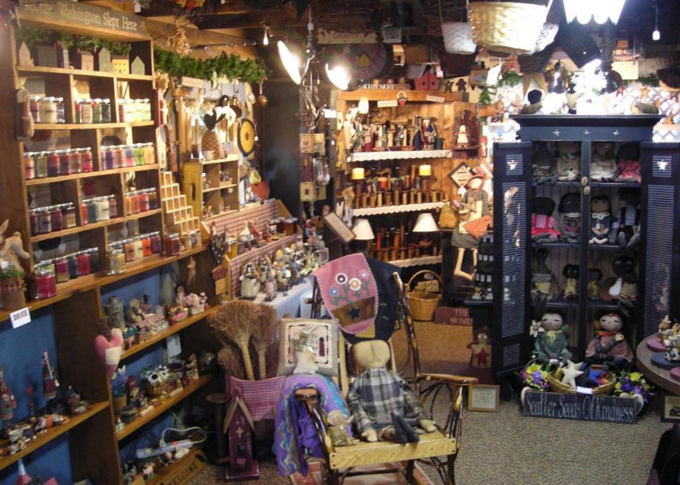 Cottage Gift Shop in Elmira