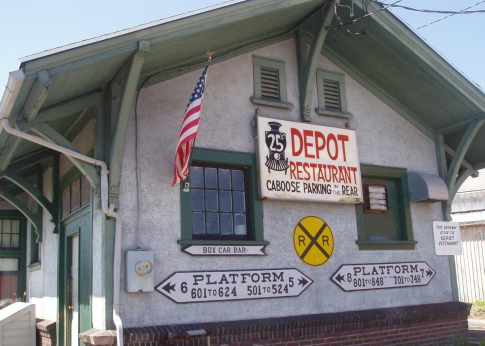 Side view of Depot 25 Restaurant