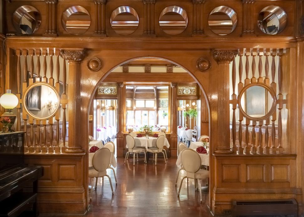 Edgar's Steakhouse Music Room