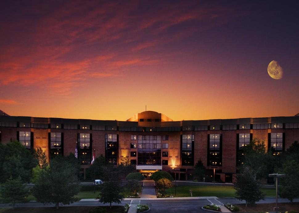 Woodcliff Hotel and Spa, Exterior view at sunset