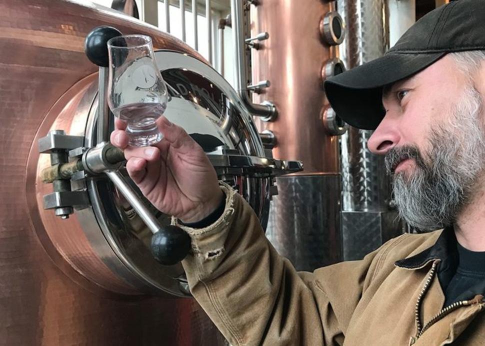 Finger_Lakes_Distilling_Bottle_Still_with_Distiller