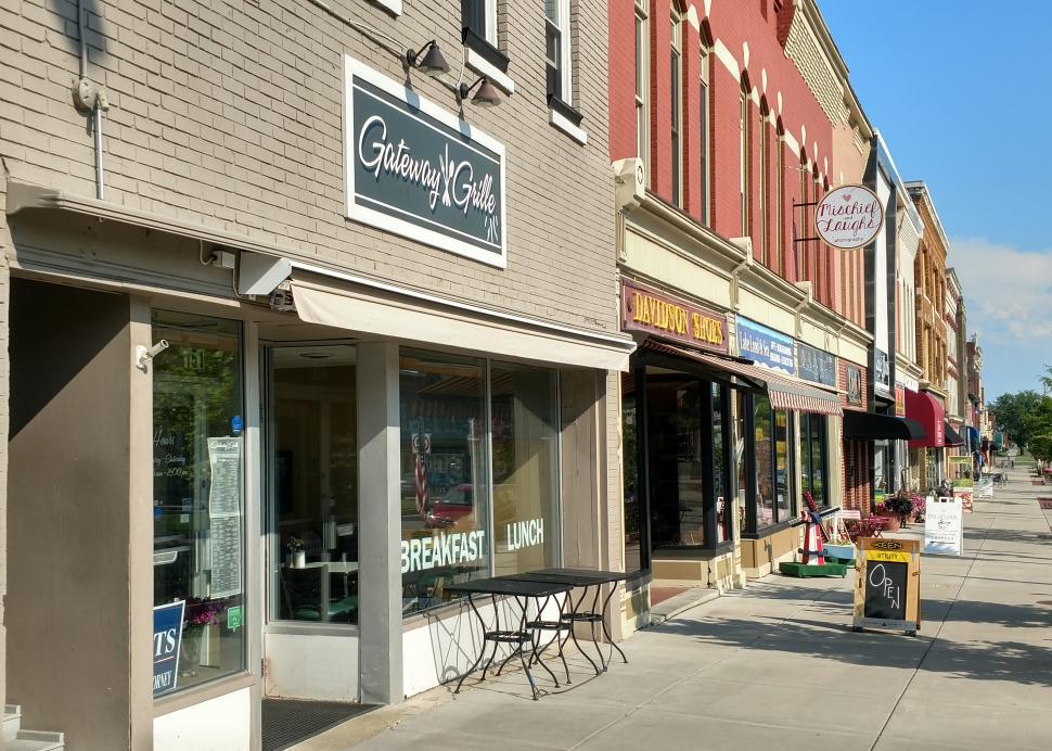 Gateway-grill-main-street-cannadaigua-exterior