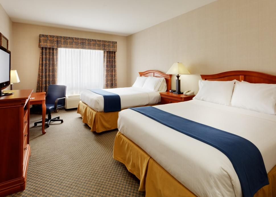 holiday-inn-express-victor-room